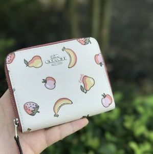COACH Fruit Small zip Wallet Chalk Peony F73396